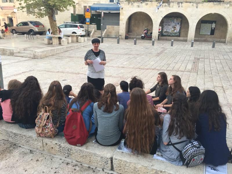 סיור ברובע היהודי עם המשפחות המאמצות